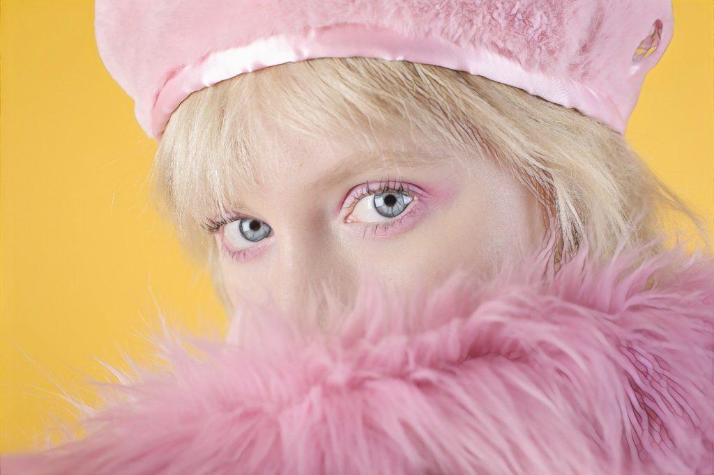 фото девушки после безоперационной блефаропластики